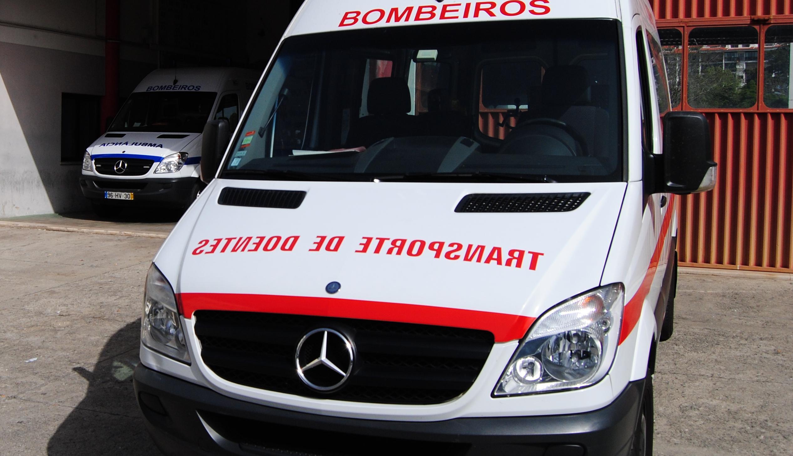 Hospital de Évora lança concurso para contratar transporte de doentes não urgentes, em que o valor é o único critério