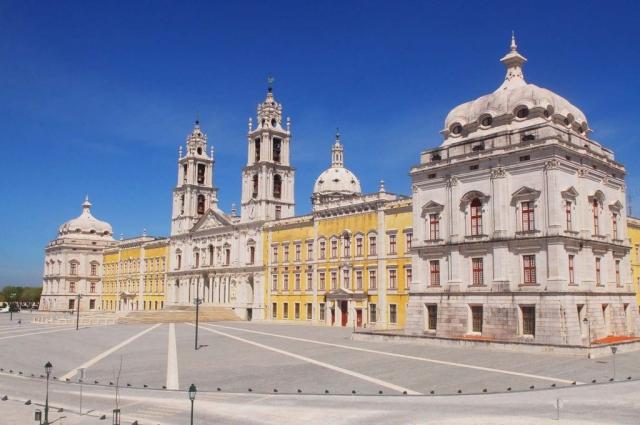 Real Edifício de Mafra - Palácio, Basílica,       Convento, Jardim do Cerco, Tapada