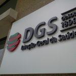 """Após críticas, DGS garante """"rigor e transparência nos relatórios diários"""""""