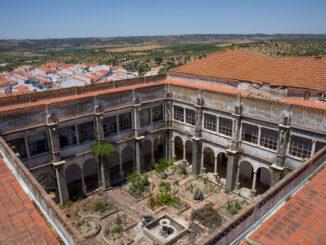 Reconversão do Convento do Carmo em Moura