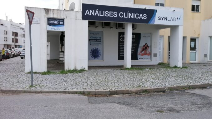 A SYNLAB acaba de reforçar o serviço de análises clínicas em quatro unidades do Alentejo, que passam agora a efetuar testes COVID-19
