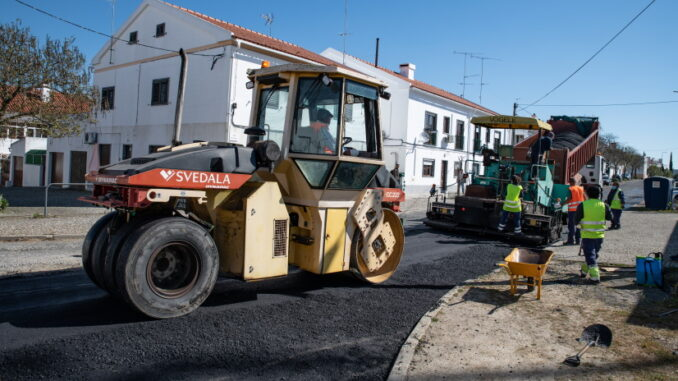 Obras em estradas de Évora