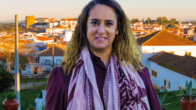 "Candidata do Movimento ""Viver Redondo"""