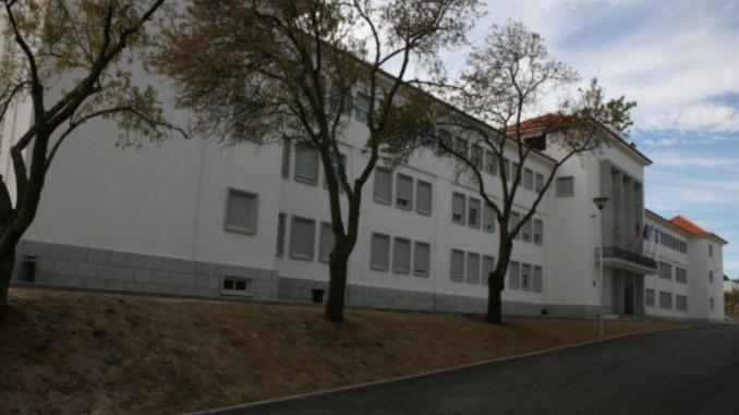 Escola de Évora