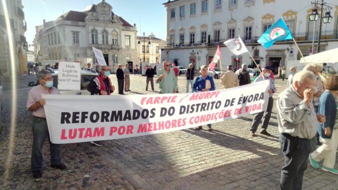 reformados protestaram